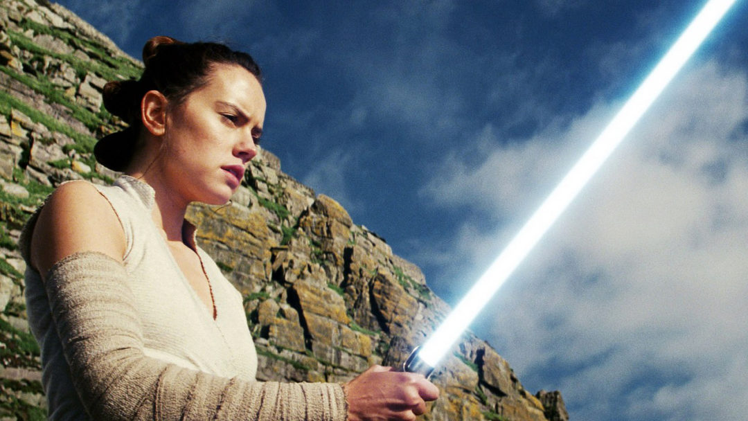 Daisy Ridley lightsabers Star Wars: Rise of Skywalker
